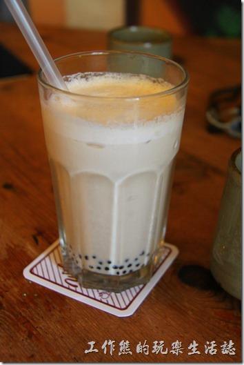 台南-奉茶來恁兜。「珍珠奶青茶」;