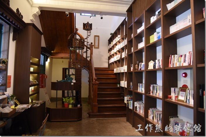 每週二~日,10:30~21:00台南的知事官邸有開放參觀。