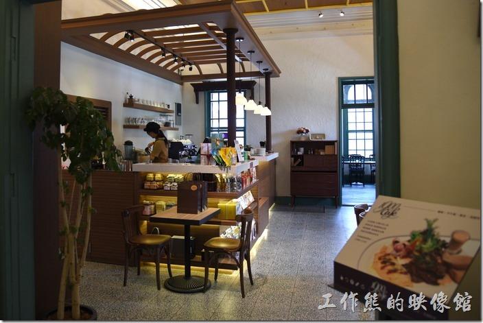 台南-知事官邸一樓的餐廳,有早午餐供應。