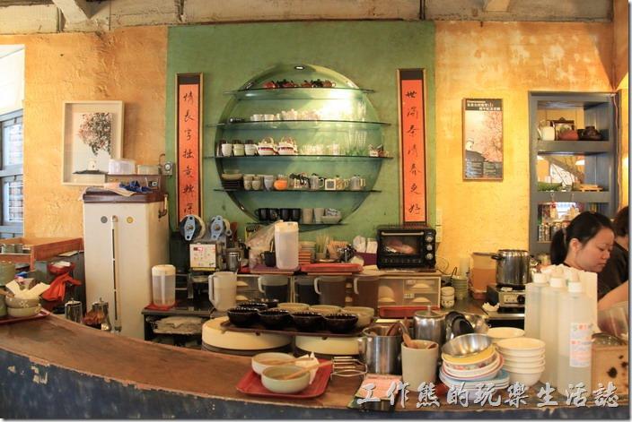 台南-奉茶萊恁兜。櫃台