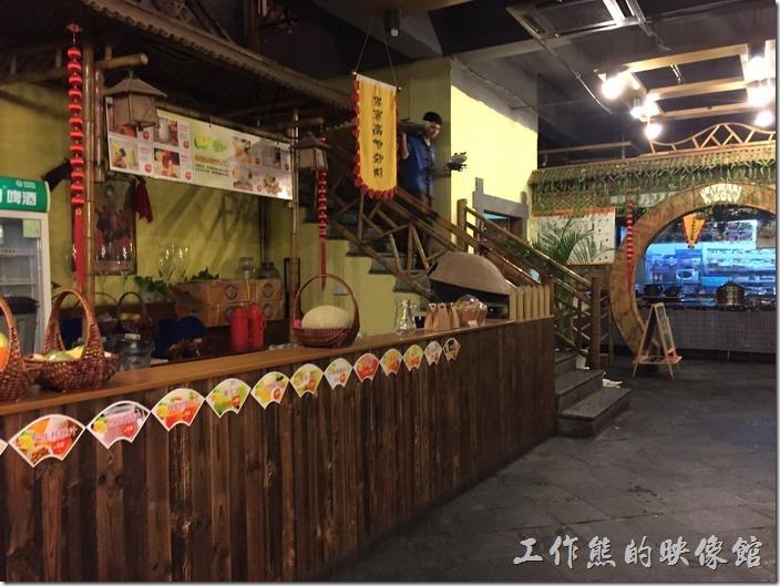 昆山老阿爸鮮魚館餐廳的櫃台,但這裡不是結帳櫃台。