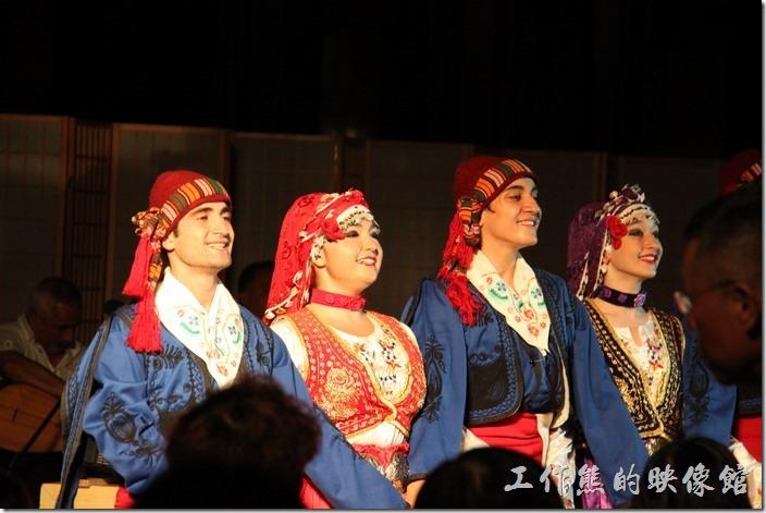 宜蘭礁溪老爺大飯店。接下來有女生出現了,哇!這土耳其的女生五官真是正,胖瘦都好看。
