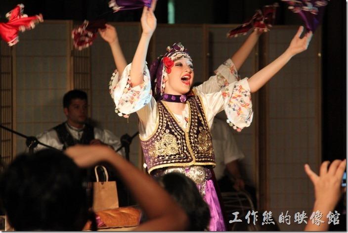 宜蘭礁溪老爺大飯店。土耳其的舞者們跳舞的感覺真的跟我們一般熟習的中國舞蹈與西方舞蹈差異很大。