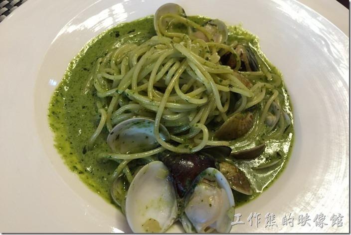 台南南港-Lite。綠蓉蛤蠣義大利麵,NT200。蛤蠣還蠻大顆的,建議可以加點Tabasco辣椒會更美味。
