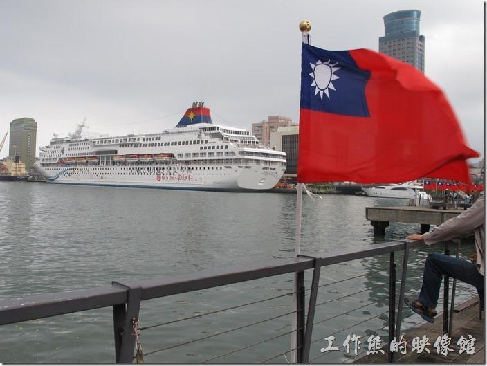 2015.10.25當天剛好有麗星郵輪停靠港灣。