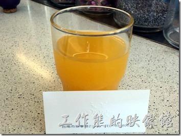 台南-Oilily早午餐。橙汁。