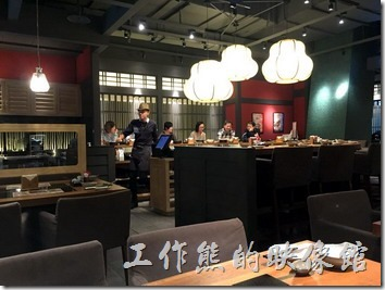 黑毛屋台北南港中信店的店內裝潢及景緻。