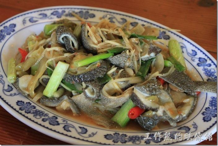 台南新化-王家燻羊肉。酸菜羊肚,NT250。吃起來脆脆的,感覺上還好,並不是很習慣。