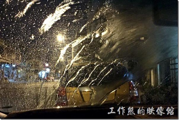噴水模擬暴雨