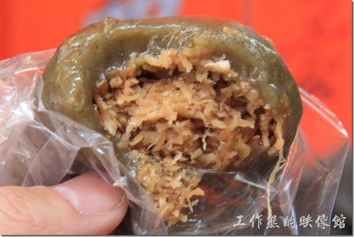 [九份老街吃什麼]阿蘭草仔粿,排隊名店。這個是菜埔米