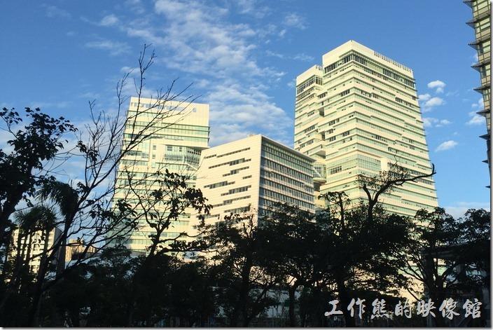 [台北南港]中國信託金融園區不只有美食及商場,更是一棟黃金綠建築