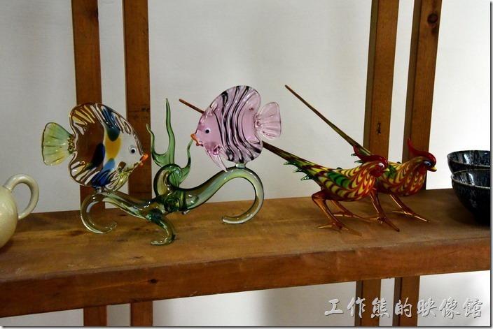 台南-藍晒圖文創園區。藍月山房的琉璃與陶藝品。