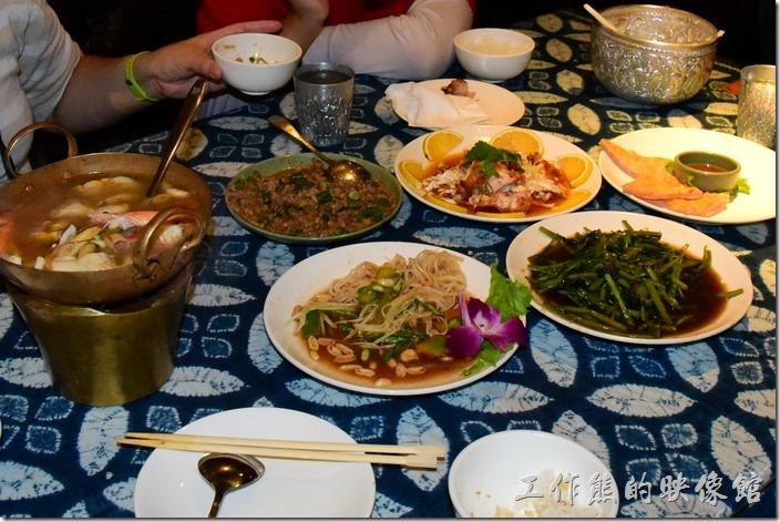 墾丁-曼波餐廳。這就是我們這次點的全部菜色,因為還要留著肚子吃其他的宵夜。