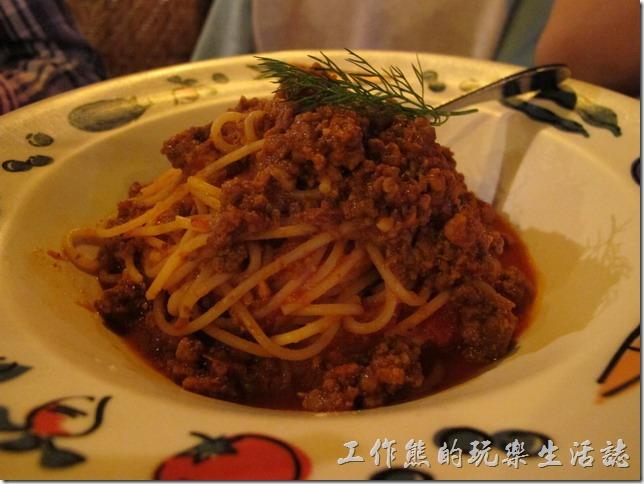 屏東墾丁-冒煙的喬。義大利肉醬麵,NT$250。這是小兒子點的肉醬麵,中等程度。