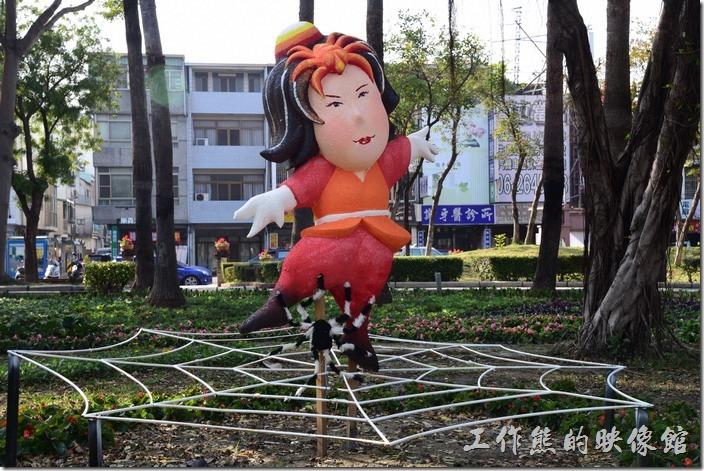 台南-2016百花祭-水萍溫公園。「編織夢想」,這個應該是盤絲洞的意象吧!
