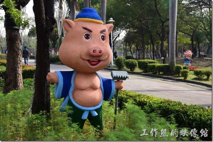 台南-2016百花祭-水萍溫公園。豬八戒。