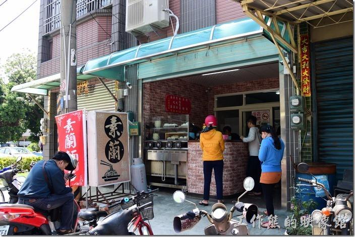 素蘭麵店的新店址在其自家一樓,地點在一甲派出所旁。