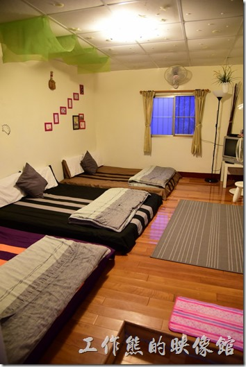 高雄那瑪夏-寧妮谷露營民宿。六人客房。
