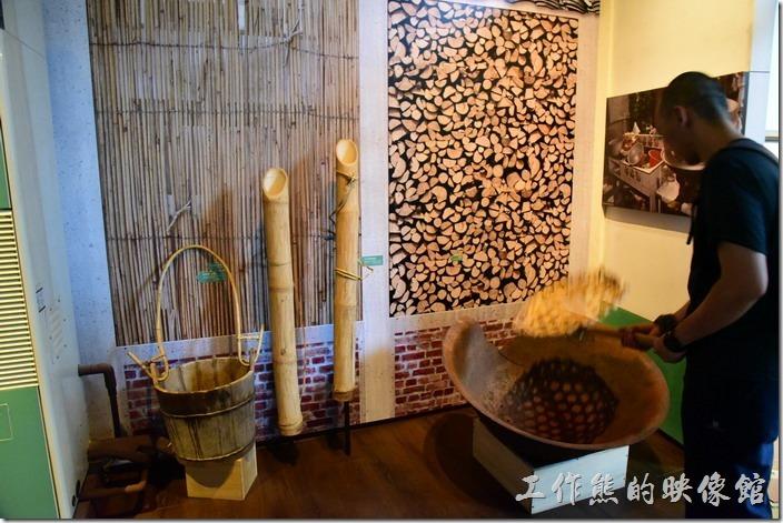 高雄小林平埔族群文物館。傳統做菜的器具。