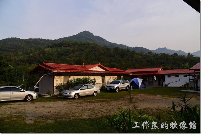 高雄那瑪夏-寧妮谷露營民宿。寧妮谷民宿的客房區。