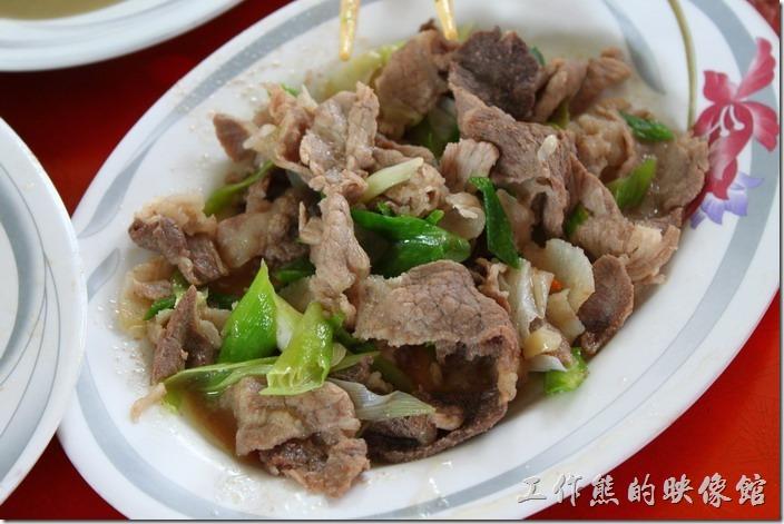 高雄田寮-礦區陳甚土雞城。山豬肉 ,NT200。個人感覺豬肉有點硬,不是很適合工作熊的胃。