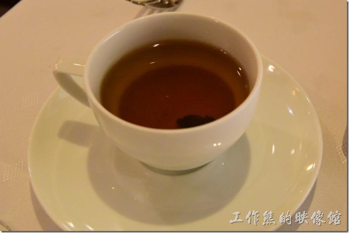 台南-轉角餐廳龍蝦餐廳。餐後飲料,香草茶。