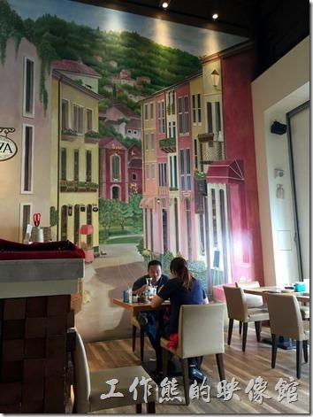 台南喬義思的大門餐廳內的壁畫,讓人感覺彷彿置身於國外。