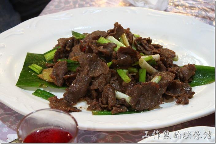 高雄那瑪夏木之屋餐廳。蔥燒三羌肉,這山羌肉不知道是不是保育動物?吃起來有點羊肉的感覺。