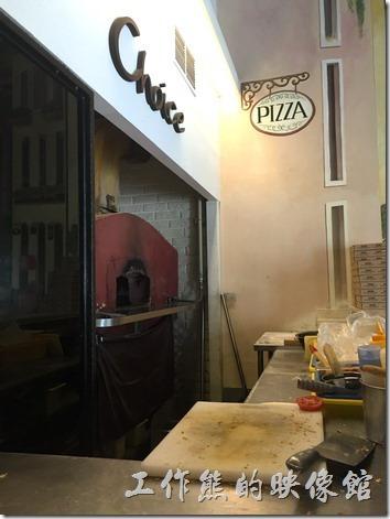 台南-喬義思窯烤手作廚房。披薩窯烤爐。