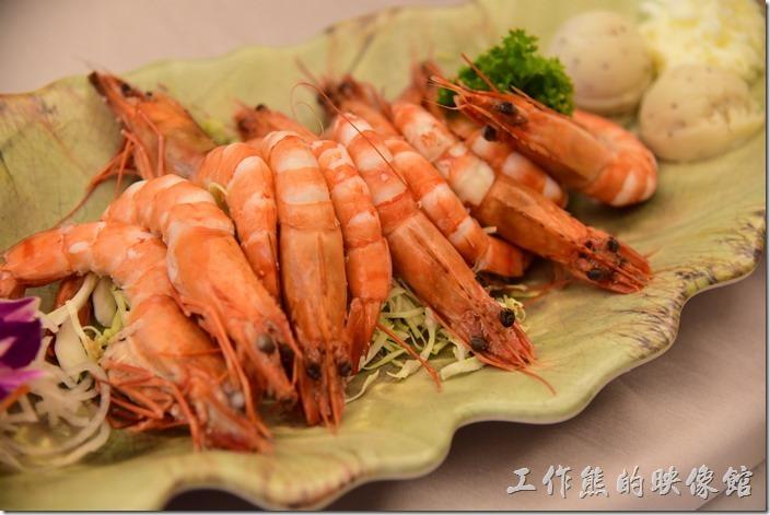 高雄內湖-拾閒堂。蝦子冷盤,這蝦子比一般的白蝦還要大隻,蠻新鮮好吃的。