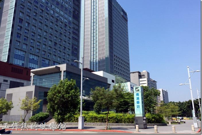 台灣高鐵南港站於2016年7月1日正是啟用,南港坐高鐵更方便了