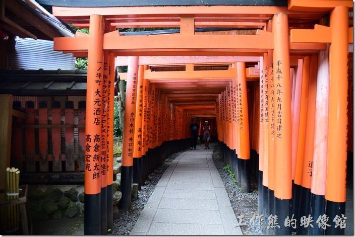 日本-稻荷神社千鳥居02
