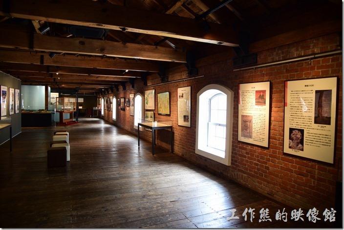 在舞鶴市政府紀念館內展出的也幾乎都是一些與海軍相關的文物,還有當時戰敗後撤退的史料。