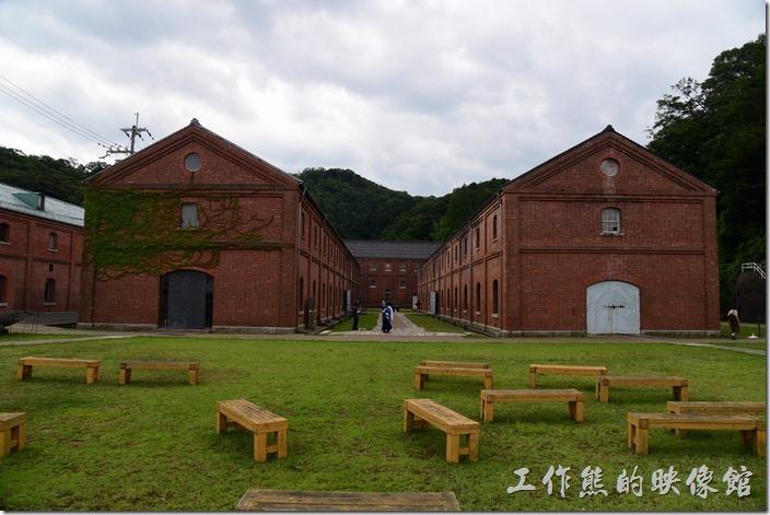 日本舞鶴-紅磚博物館。可惜拜訪當天天氣太熱,否則坐在這裡感受一下當時的氛圍氣憤應該不錯。