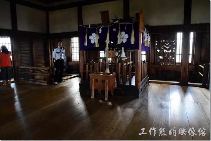 姬路城天守閣最頂層(大天守 六階)有個小神社。