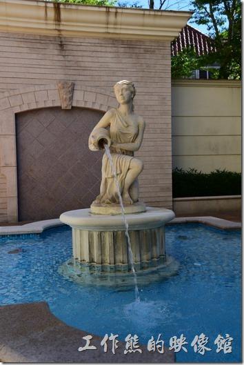 「蘇澳瓏山林溫泉飯店」的建築似乎是採用希臘神話的風格,所以很多地方都可以看到希臘神話的影子。