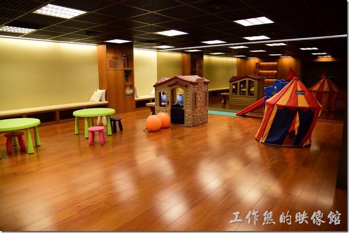 這是「蘇澳瓏山林溫泉飯店」休閒區的小朋友遊戲室。