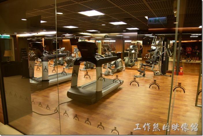 這是「蘇澳瓏山林溫泉飯店」休閒區健身房。
