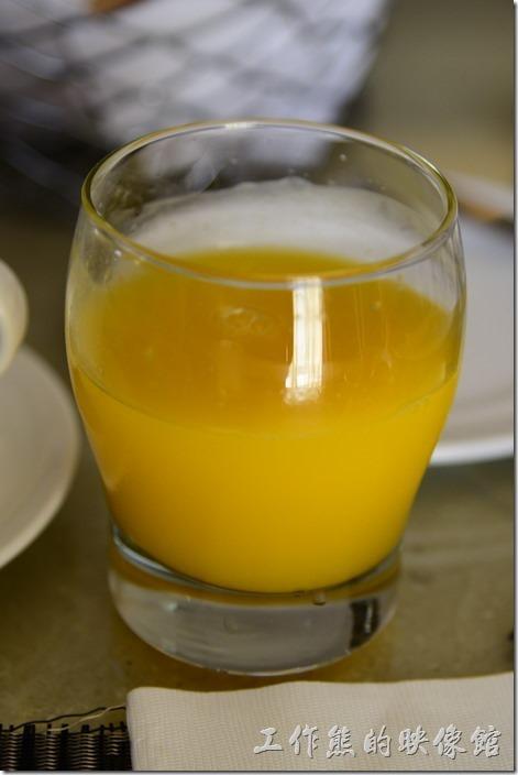蘇澳瓏山林溫泉飯店早餐。餐前飲料,柳橙汁。