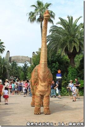 日本-環球影城,侏儸紀公園,恐龍逛大街