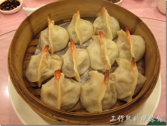 昆山-大清花餃子。全蝦餃,RMB28。你沒有看錯,就是用整隻蝦子下去包成一顆水餃,工作熊個人超推薦這餃子。