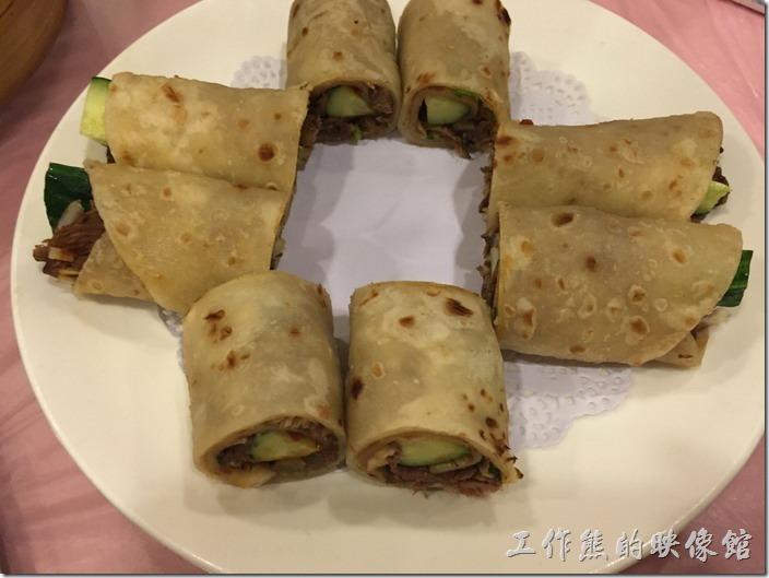 昆山-大清花餃子。牛肉卷餅,RMB22。好懷念的滋味,以前在「左營」上班的時候常吃呢!