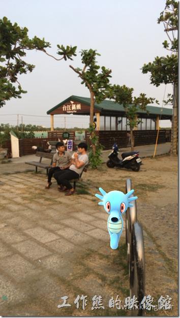 自從Pokemon-Go風行全台後,台南四草大眾廟也是個抓寶的熱門景點,而且這裡聽說也經常出乘龍(拉普拉斯)。