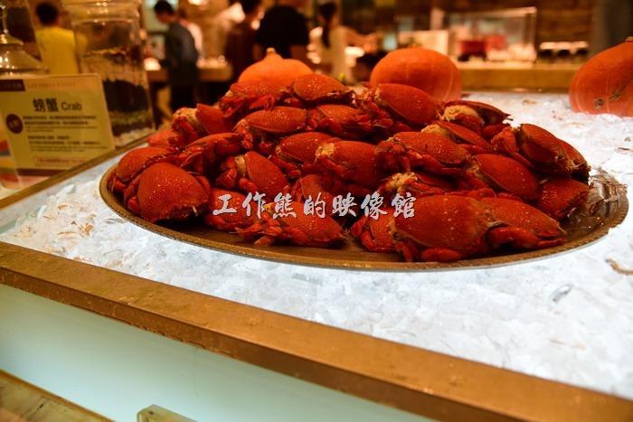 台中林酒店。旭蟹冷盤,無線量供應,不過吃起來味道真的不怎麼樣!