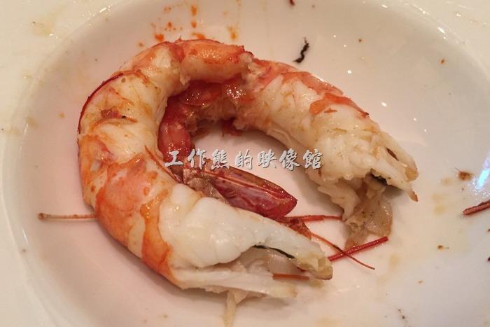 台中林酒店。工作熊個人反而比較推薦這個椒鹽紅蝦(烤大蝦),肉質鮮美好吃,有西餐廳龍蝦的水準。