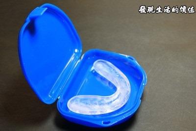 牙醫診所或是醫學中心會有一個專用的盒子來放置「密西根咬合板」,以免遺失或髒掉。