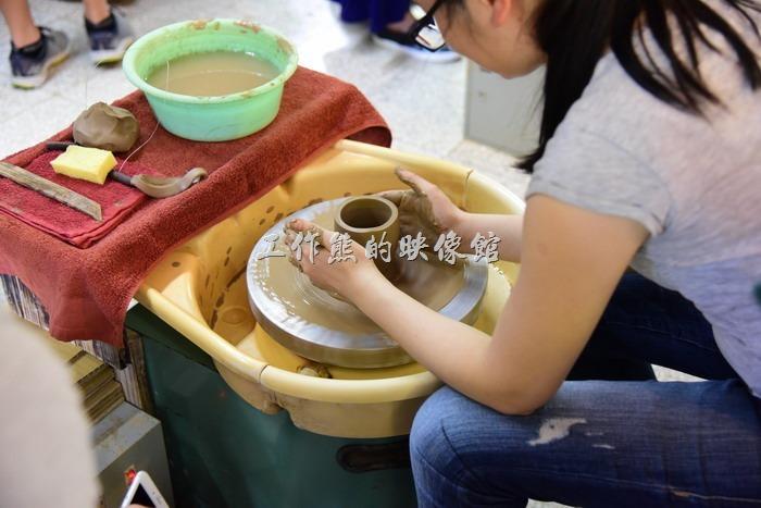 苗栗-華陶窯。拉胚其實蠻好玩的,不過第一次總是較生疏。