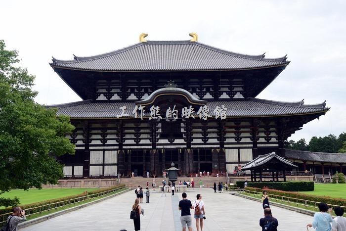 像極日本武士帽的「東大寺」。