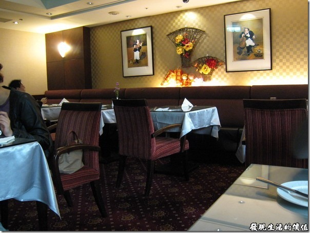 台北-麗湖大飯店。早餐餐廳的環境。