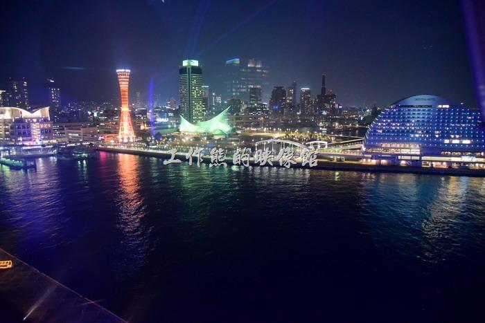從摩天輪上看神戶港有別於平地的風景,別有一番風味,更可以瀏覽到更多的景色。